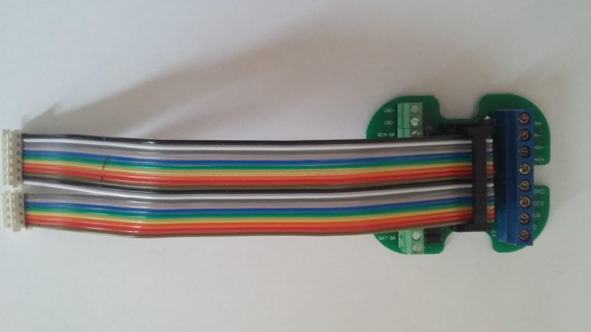 Csatlakozó KDC-3905 höz - kábellel