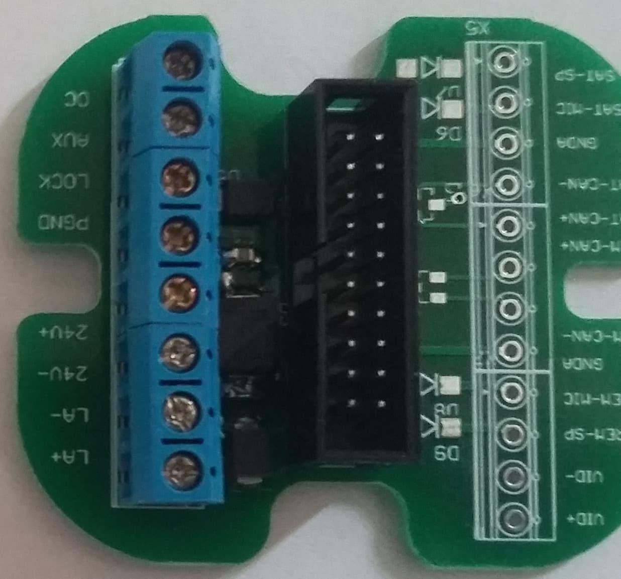 Egyszerű csatlakozó KDC-3905-höz
