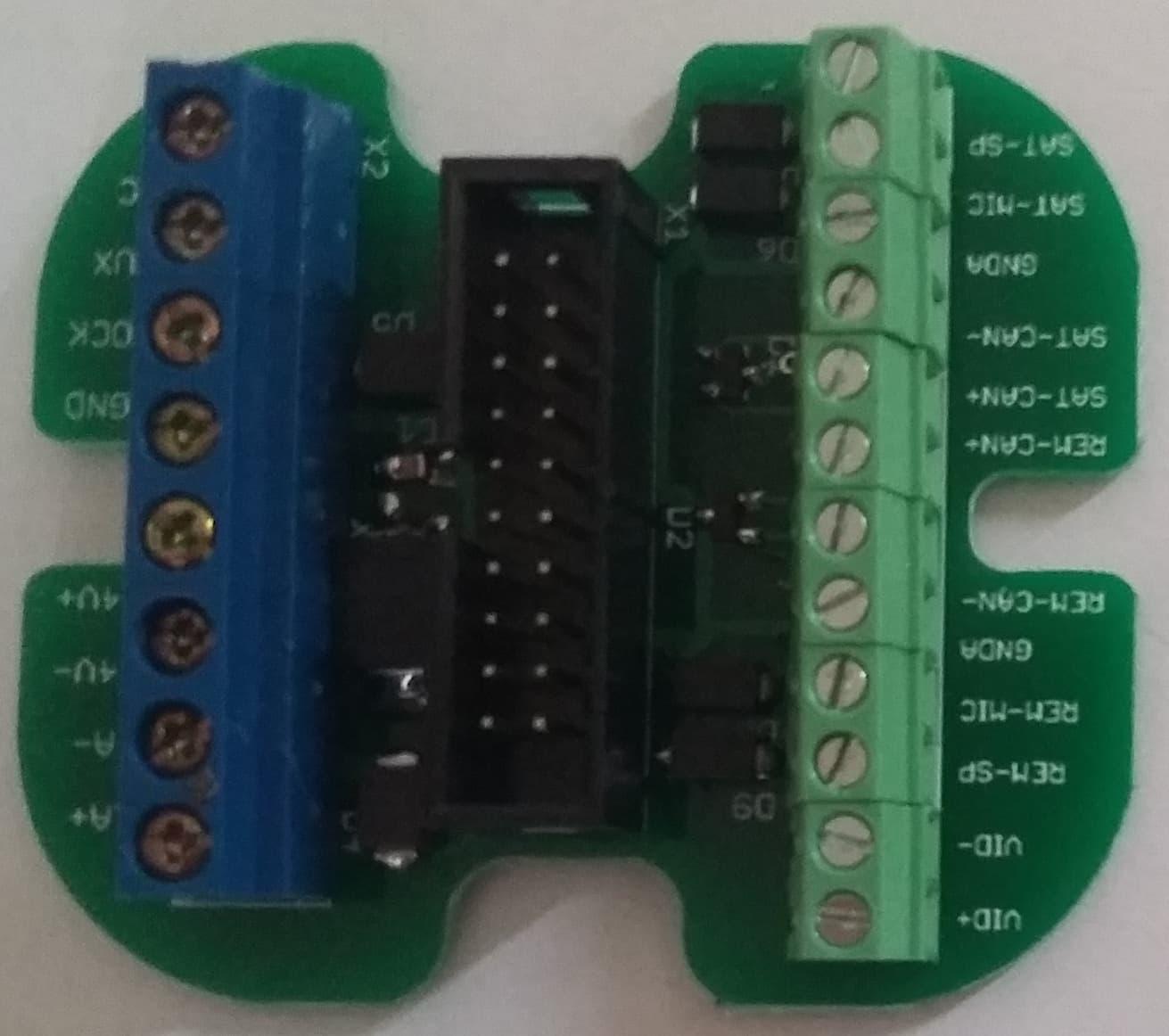 Teljes kiépítésű csatlakozó KDC-3905-höz